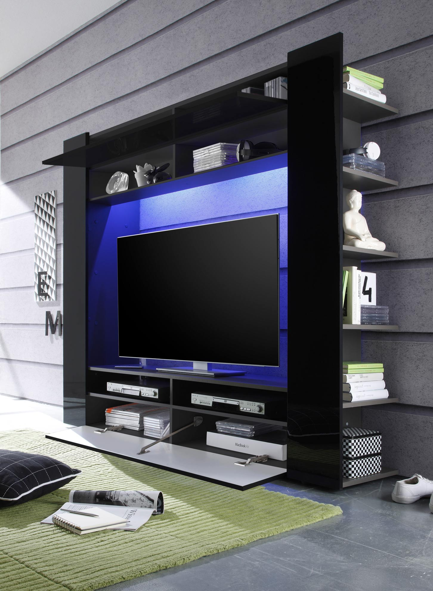 schwarze wohnwand mit tv schrank pictures to pin on pinterest. Black Bedroom Furniture Sets. Home Design Ideas